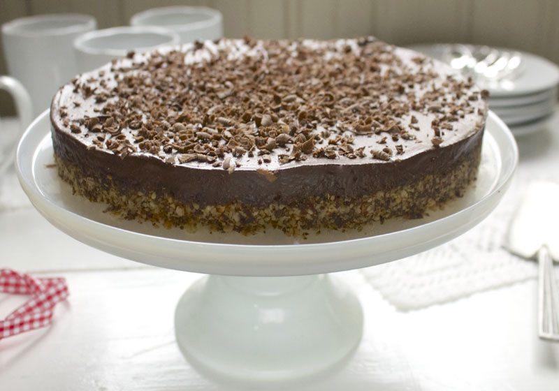 Sunn sjokoladekake med kremet sjokoladeglasur