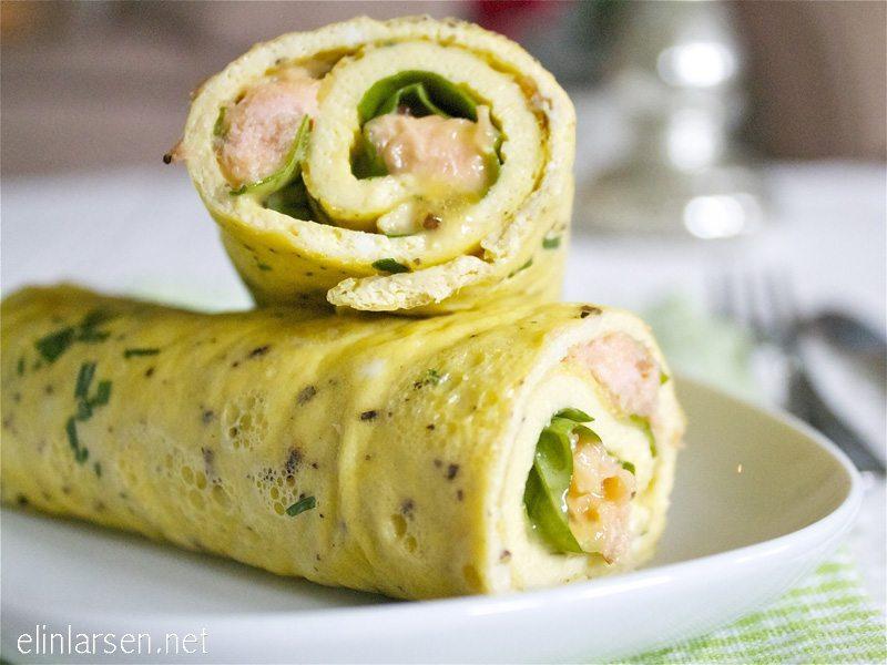 omelett wraps med laks og sennepssaus