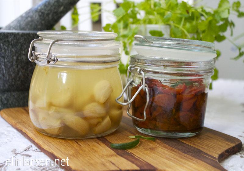 Confit tomater og confit hvitløk