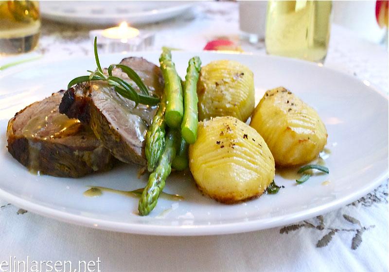 Lammestek med hasselback-poteter og sjy