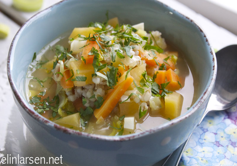 Grønnsakssuppe med byggryn