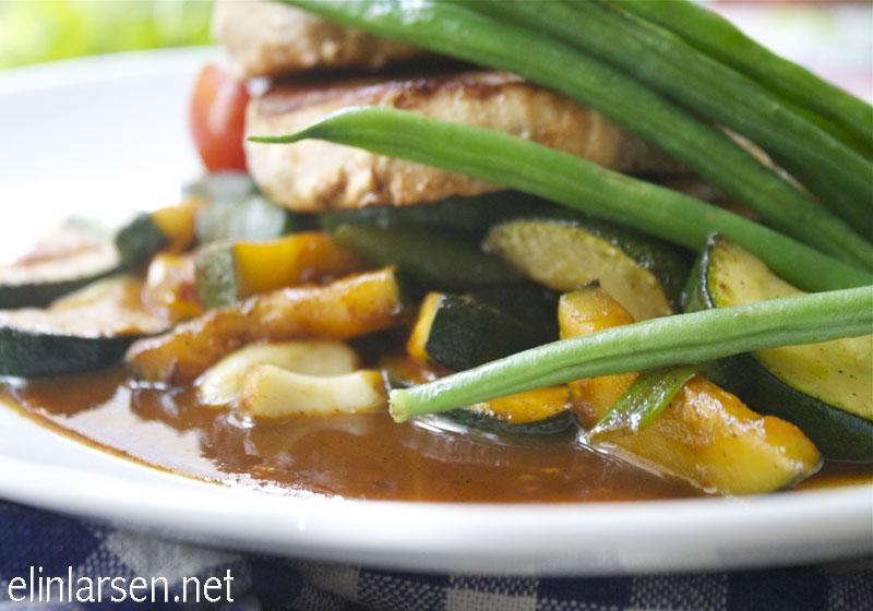 Skinkebiff med wokgrønnsaker