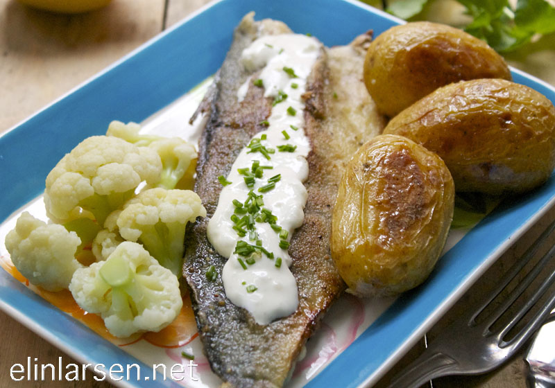 Stekt makrell med pepperrotkrem og bakte poteter