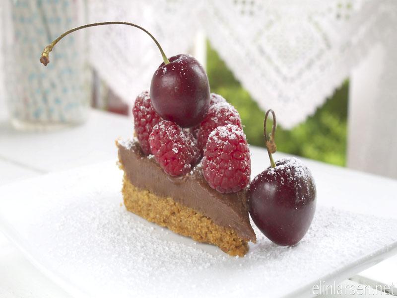 Terte med sjokolade og karamellfudge