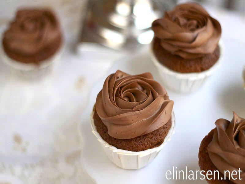Appelsincupcakes med deilig sjokoladefrosting FB_edited-1