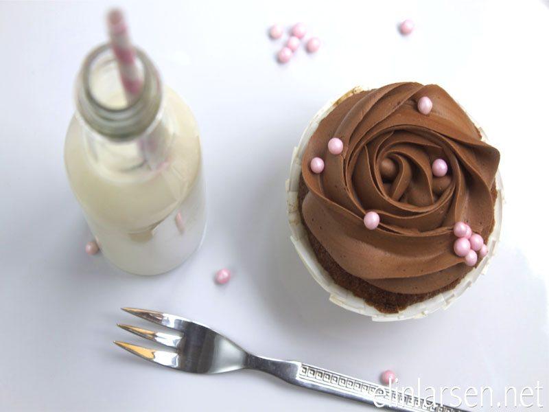 Sjokoladefrosting og appelsincupcakes