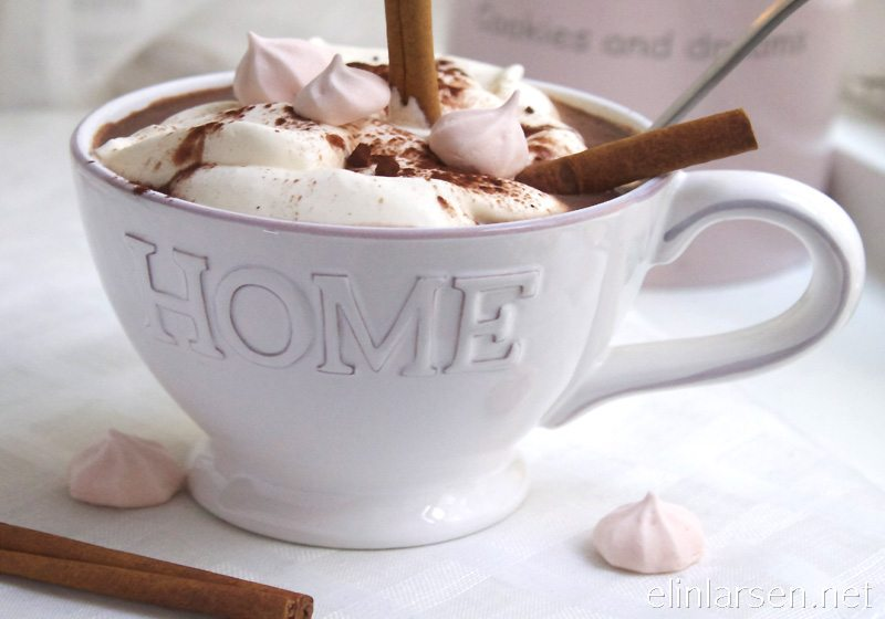 Varm vaniljekakao med hint av kanel