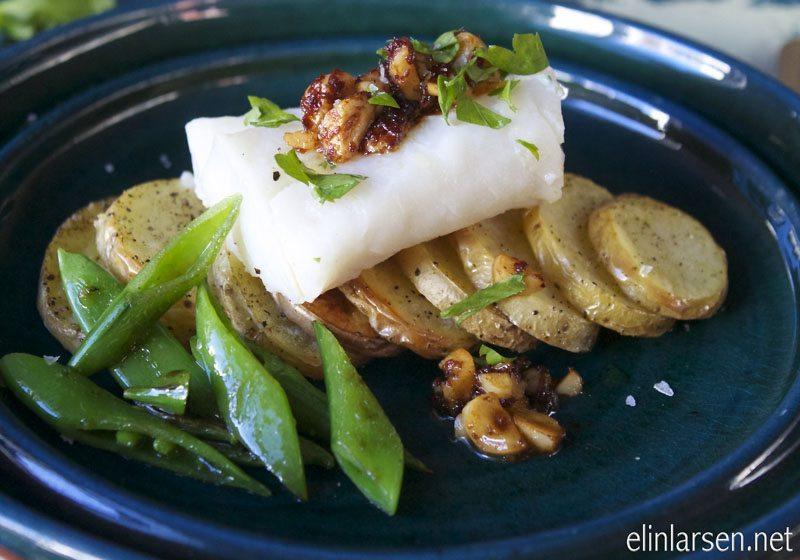 Melkekokt skrei med soya- hasselnottsmor og bakte poteter