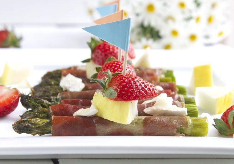 Asparges spekeskinke og jordbaer.jpg