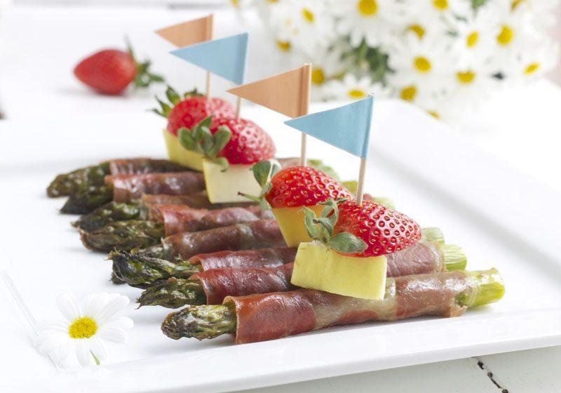 Bakt asparges med serranoskinke