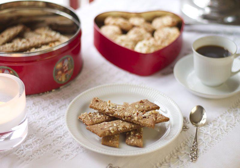 Brune pinner: kolakaker