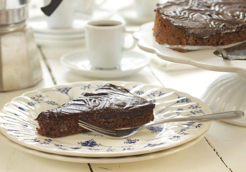 gluten og sukkerfri sjokoladekake med dadler