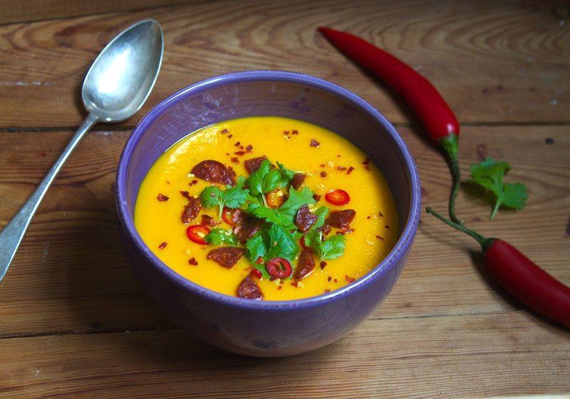 gulrotsuppe med chili og chorizo
