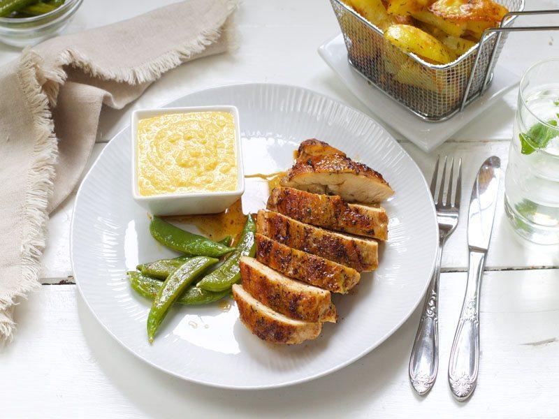 skinnstekt-kyllingbryst-med-maiskrem